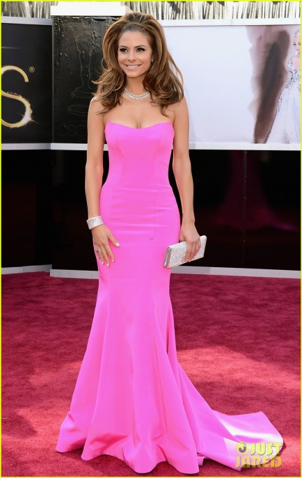 maria-menounos-mario-lopez-oscars-2013-red-carpet-01