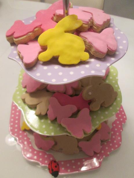 Πασχαλινά κουλουράκια με ζαχαρόπαστα by PepiBeza!!!