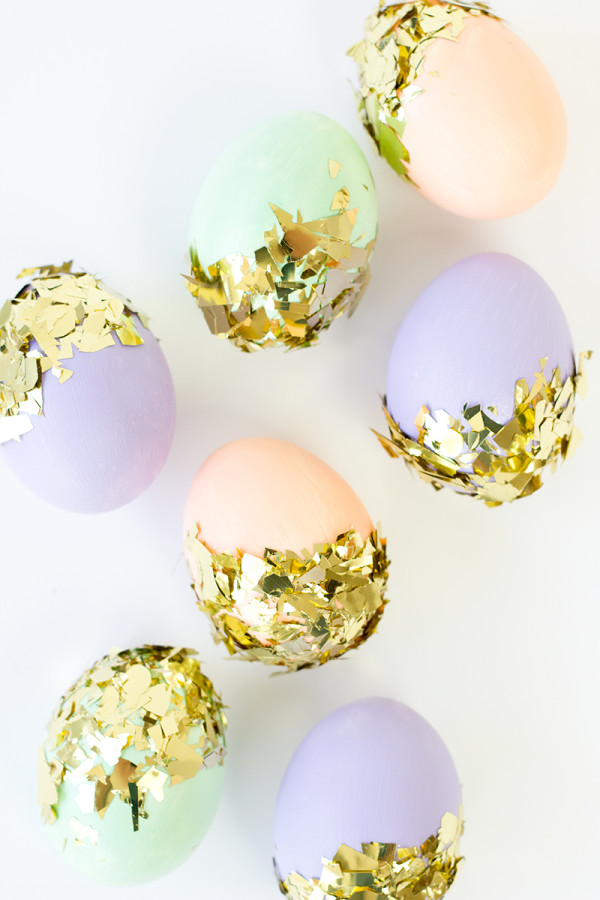 DIY-Confetti-Dipped-Easter-Eggs-600x900