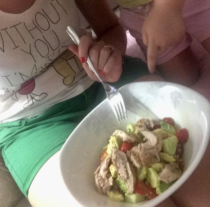 Σαλάτα με αβοκάντο &τοματίνια*